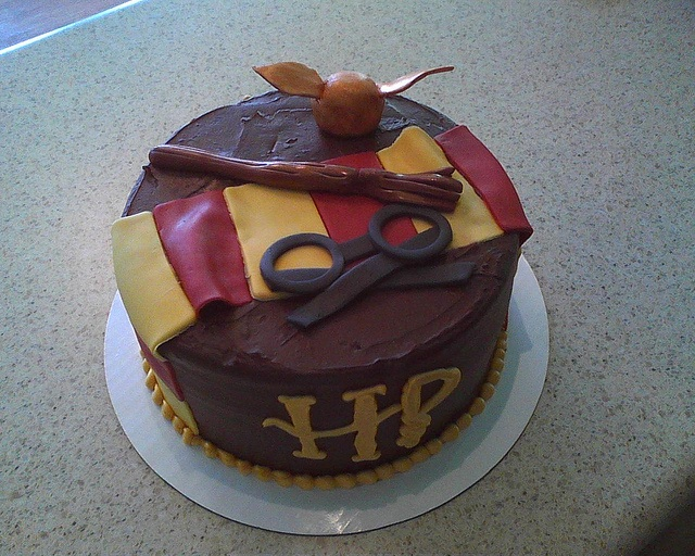 Harry Potter Cake by Delicately Delicious, via Flickr