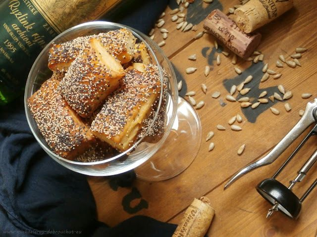 Dobrou chuť: Tyčinky z tvarohového těsta