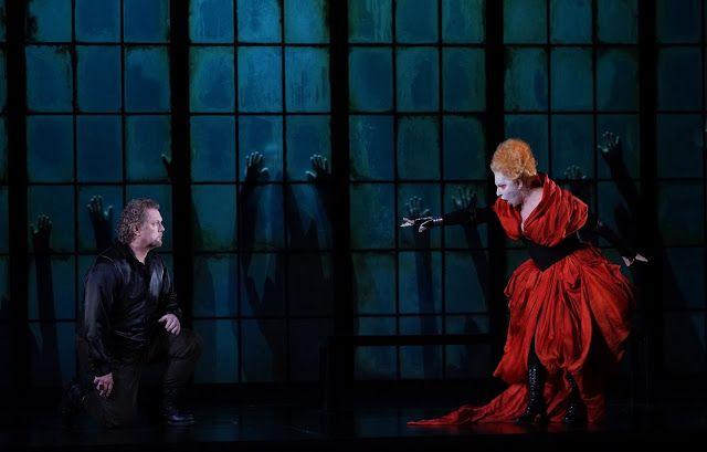 DONIZETTI, ROBERTO DEVEREUX Gregory Kunde (Roberto Devereux) and Mariella Devia (Elisabetta). Madrid, Teatro Real, 2015