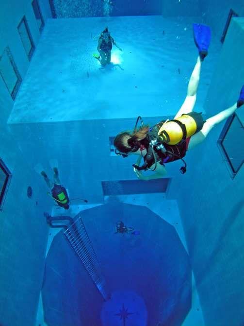 El nombre Nemo 33 fue elegido en homenaje al personaje de Julio Verne, el Capitán Nemo, y de su obra... - Nemo 33. Texto: Sandra García / Travelzoo (www.travelzoo.es)