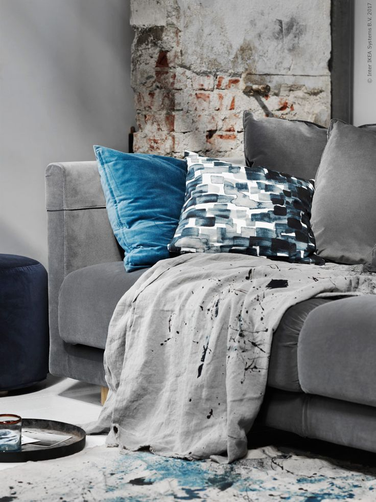 die besten 25 graues samtsofa ideen auf pinterest dunkles sofa silbernes samt sofa und. Black Bedroom Furniture Sets. Home Design Ideas