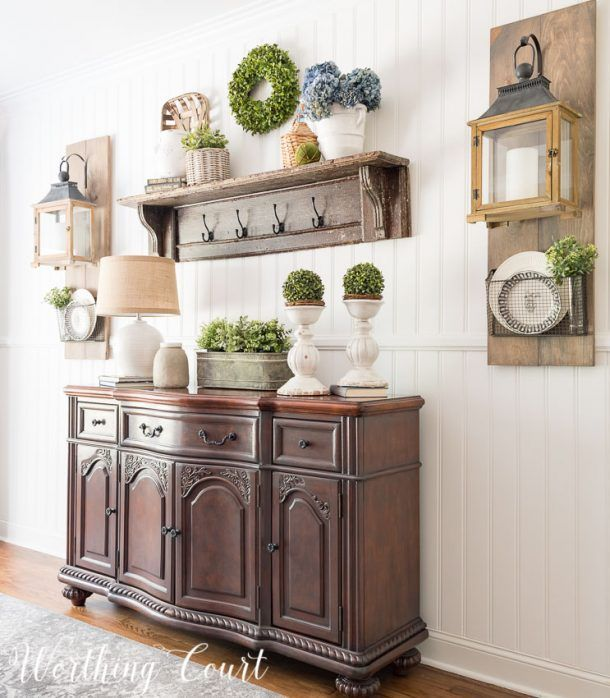 Farmhouse Dining Room Makeover - this super easy planked wall screams instant farmhouse style