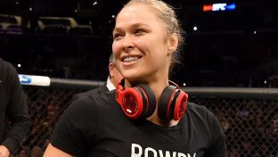 Randa Rousey joins The Rock in WrestleMania ring (VIDEO)