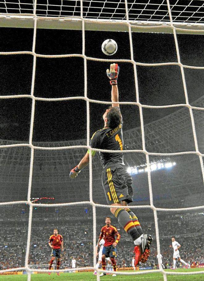 Spain - France 2-0 Iker Casillas