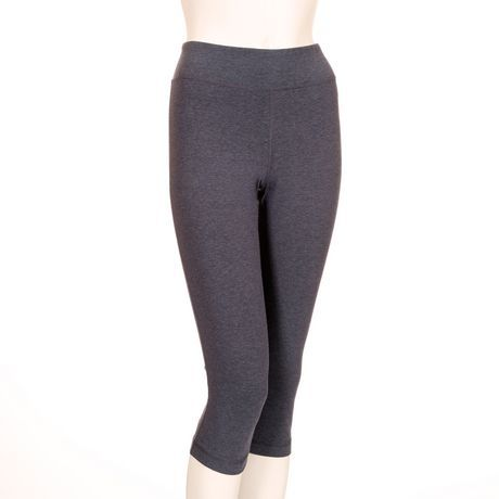Walmart, Athletic Works Women's Cotton Blend Capri Legging, $12, Shell: 54% Cotton, 36% Polyester, 10% Spandex • Insert waistband: 92% Polyester, 8% Spandex • Gusset: 100% Polyester  • Inner coin pocket • DRI-MORE moisture-wicking technology • Tagless • Non-chafing flatlock seams • Stretchy fabric • Machine wash at 30°C • Only non-chlorine bleach • Tumble dry medium • Medium iron