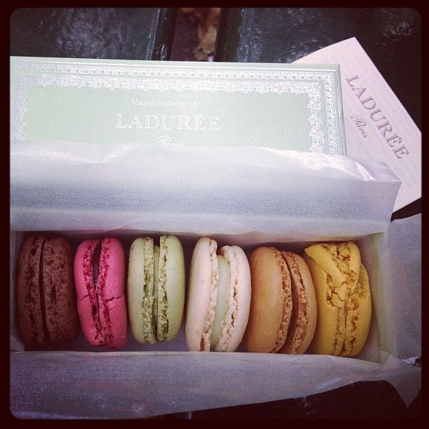 laduree paris macaron pink green box set