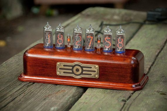 Vintage style Nixie Tube Clock on IN-14 nixie tubes by RadioTec