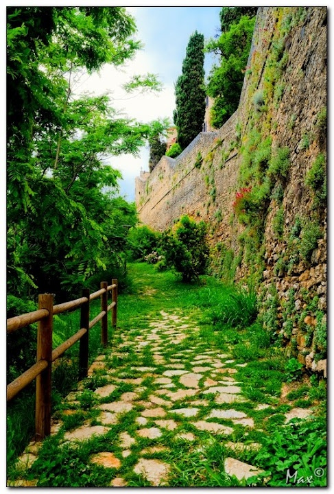 This nice pathway will take you around the walls of Vigoleno Castle, Italy