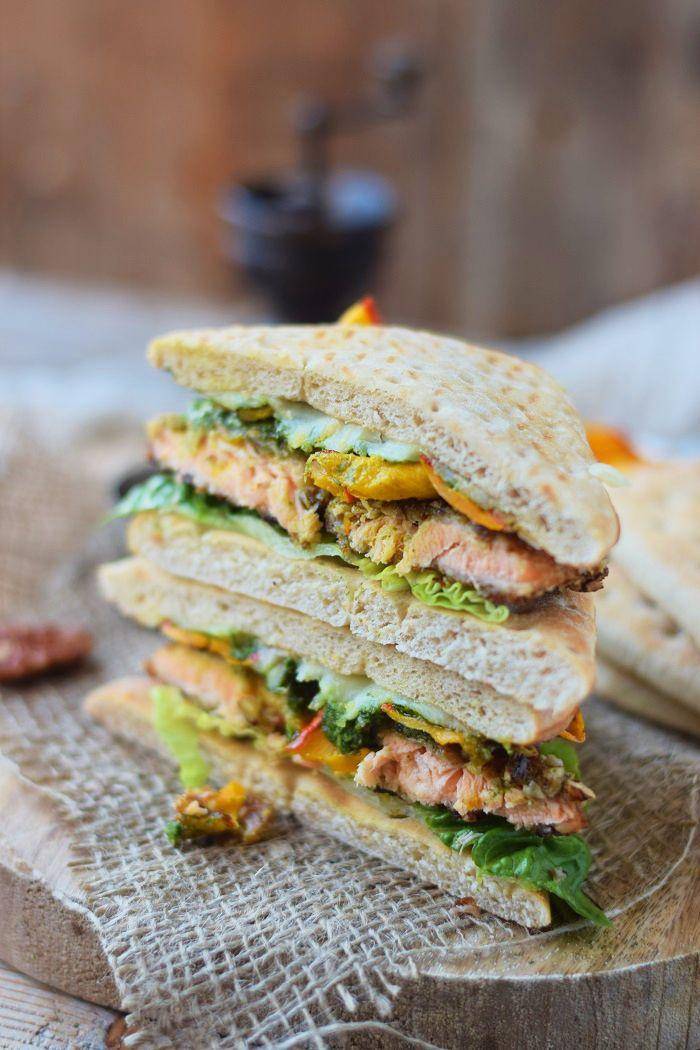 Knusperlachs, Pesto und Ofenkürbis Sandwich - Sandwich with crunchy salmon, roasted pumpkin and pesto | Das Knusperstübchen