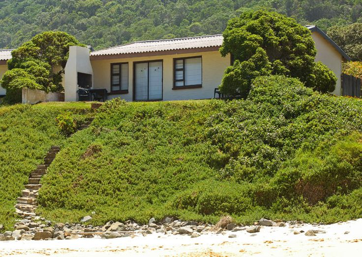 Arch Rock Plettenberg Bay South Africa - Try the perfect vacation spot in our Beachfront Chalets.