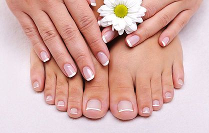 Mackie Naturals Salon & Spa  | HANDS & FEET
