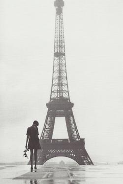 Twiggy in Paris, 1967.