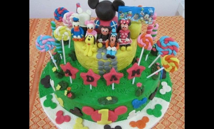 Kue ulang tahun Mickey Mouse 2 tingkat, harga mulai 575.000. Order via SMS 0856-1303 262, email to mandachioeshop@gmail.com