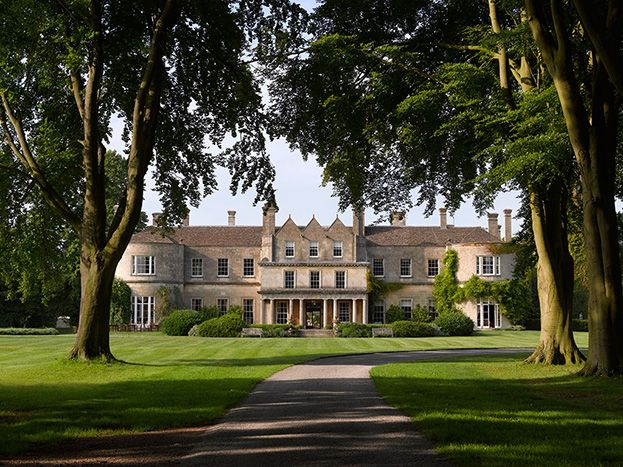 Lucknam Park Hotel & Spa. Hotel and restaurant in the country. United Kingdom, Colerne-near Bath. Unique in the world: the magnificent 1.6 km long avenue of 400 lime and beech trees planted in 1827. #relaischateaux #lucknampark