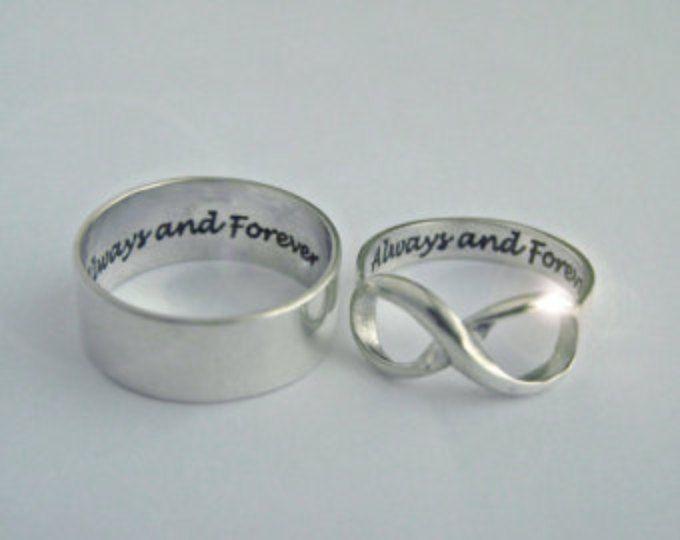Infinity ring, oneindigheid ringen, beste vrienden ring, trouwring, gepersonaliseerde ring, infinity sieraden, bericht ring, verjaardag ring, offerte ring, ring van de zusters, bericht ring, geheime boodschap ring  Unieke ring. Geheime boodschap ring.  U kunt het lettertype van je bericht kiest uit de 3e. afbeelding in de aanbieding.  Uw unieke douanebericht zal worden gegraveerd.  Regelmatig deze ringen is $98.99. Voor een beperkte tijd het zullen worden aangeboden op $68.99.  Infinity…