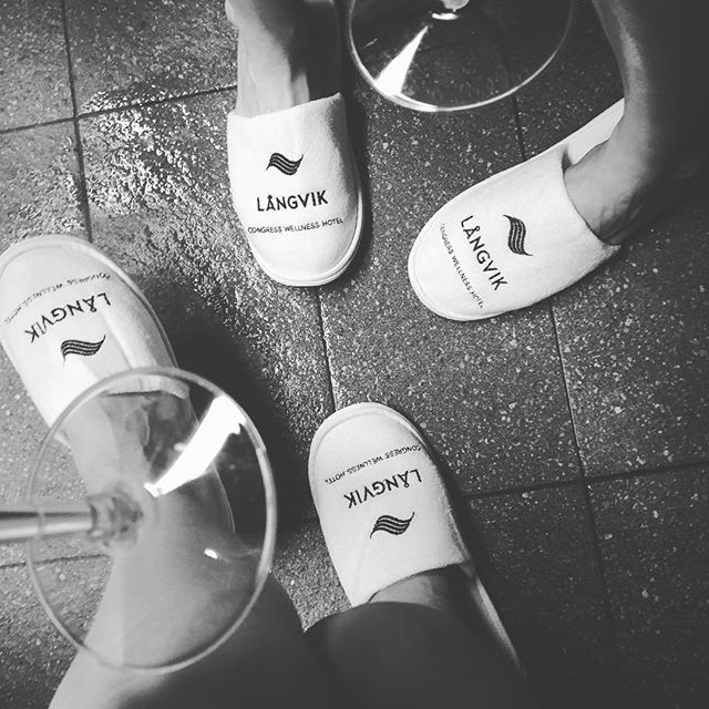 Spa moments 🥂💦 #miniloma #bubblesonbubbles #langvikhotel @langvikhotel w/ @miamikela http://www.langvik.fi/