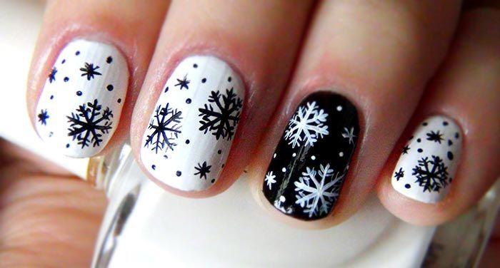 черно белые снежинки на ногтях
