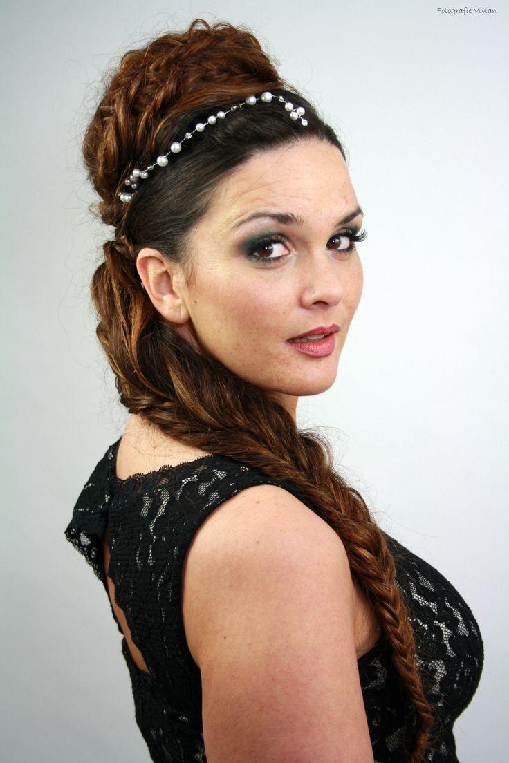 Gala, Party, Valentijnsdag cadeau, Moederdag cadeau, Trendy Haar Venlo heeft diverse mogelijkheden      .............Sabrina Photoshoot with Photographer: Vivain Bruinooge Model: Sabrina Wolfshagen Hair and Make-up: Trendy Haar