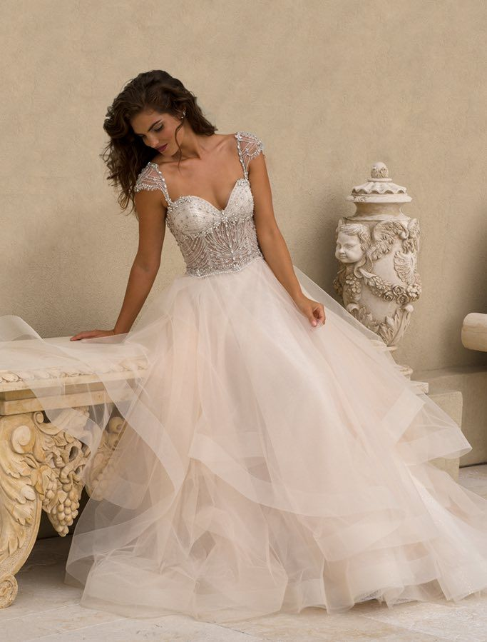 Lovely Glamorous Wedding Dresses with Couture Details