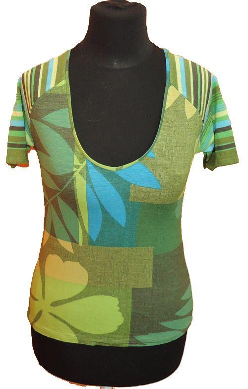 BRUMLA.CZ – Značkový dětský a dospělý second hand a outlet, použité oděvy pro děti a dospělé - Dámské zelené květované tričko