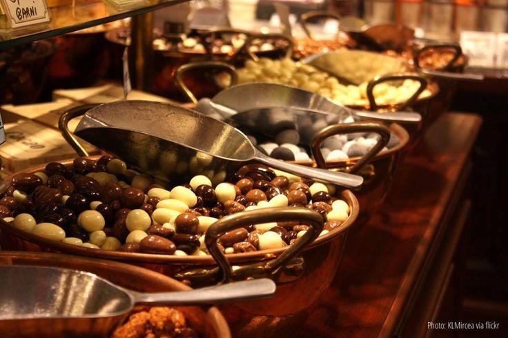 ¿Sabías que en #Belgica hay más de 2.000 tiendas de #chocolate? Asegúrate de visitar algunas de ellas cuando te alojes en una de las casas disponibles para un intercambio de casa!
