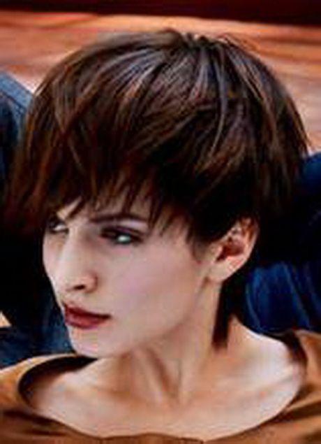 Coupe de cheveux courte effet boule