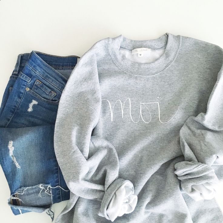 The Untitled Shop: Moi sweatshirt #iwearmoi #theuntitledshop #fashion #fashiondiaries #lookbook #mystyle #ootd #outfit #ootdwatch #style #stylegram #styleinspo #streetlook #streetstyle #streetfashion #wiwt #whatiwore #calligraphy #moderncalligraphy #sweatshirt