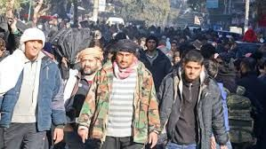 Resultado de imagen para you tube escuchando musica en alepo siria fotos