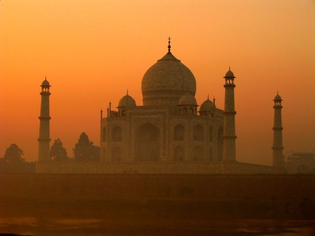 Fast Road to Taj Mahal is Opened in India