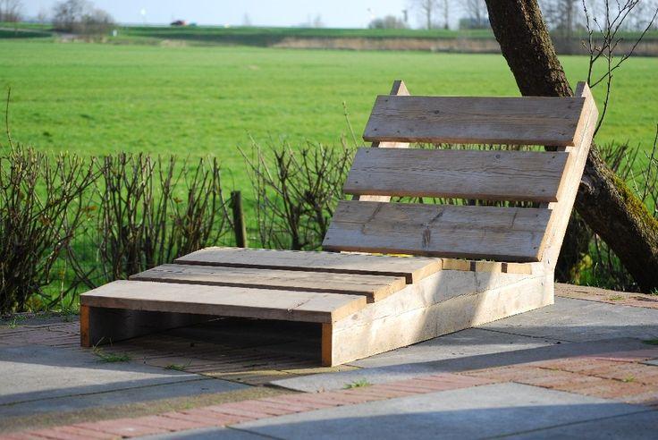 Heerlijke ligstoel van steigerhout