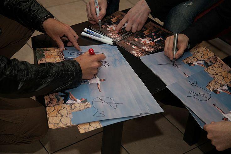 Братья Сафроновы - Купить автографы звезд - Автографомания ©