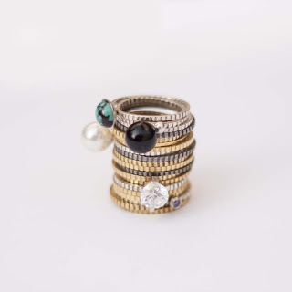 Divine Shape, rings design by Lia Gonçalves....and I´ve got it!