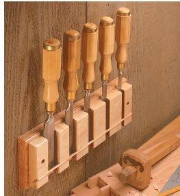 Ah! E se falando em madeira...: suporte para formão em 2 opções