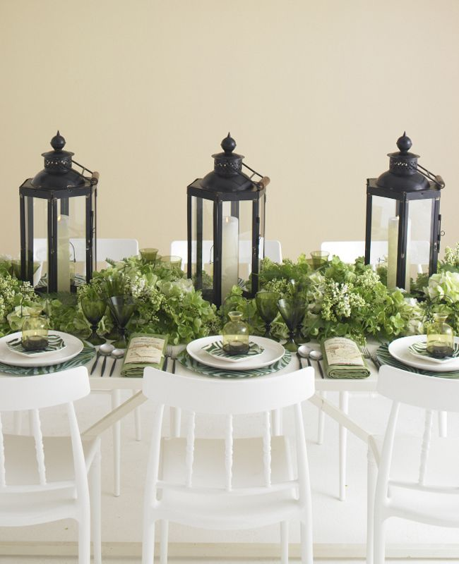 White, green and black table decor
