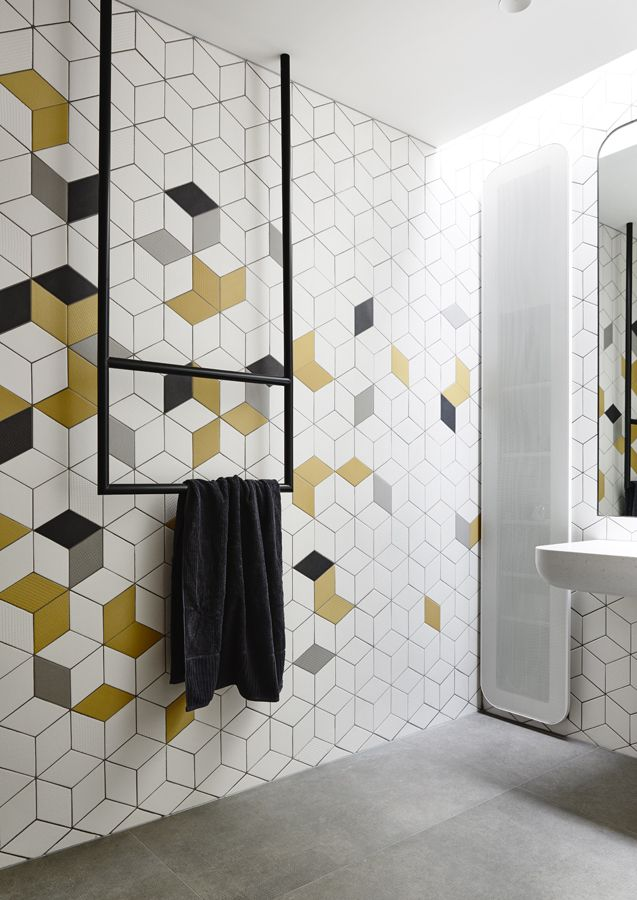 Love the use of ochre in this geometric pattern. The random filled colour changes the appearance of a classic geometric pattern