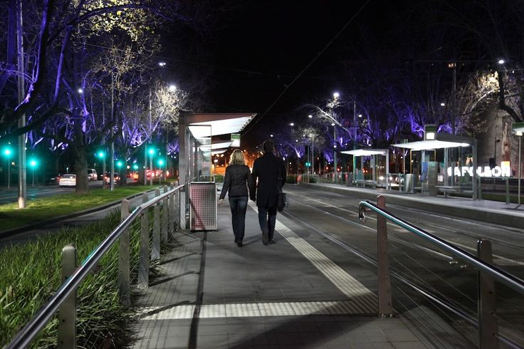 Melbourne by night. by Awes Amin
