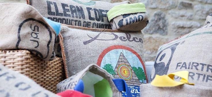 Découvrez notre collection de coussins et accessoires en jute du créateur nantais  Lilokawa - en soldes jusqu'au 17. Février inclus !