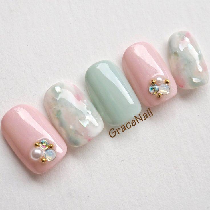 桜餅みたいな春色マーブル#ジェルネイル #デート #春 #タイダイ #マーブル #シェル #ピンク #グリーン|ネイルデザインを探すならネイル数No.1のネイルブック