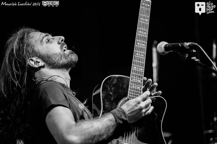 Anteprima I matti delle Giuncaie - Noi non siamo stanchi tour 2016 del 20/05/2016   A breve la gallery completa su www.piuomenopop.it  #imattidellegiuncaie #folk #folkmusic #folkmusik #musica #live #cascina #pisa #igerstoscana #ig_toscana #igerspisa #ig_pisa #volgopisa #volgotoscana #ig_toscana_ #igmusic #piuomenopop #igmusicandimage @andrea_guz_gozzi @matti_delle_giuncaie #livemusic by piuomenopop https://www.instagram.com/p/BFvgIE1KR0m/ #jonnyexistence #music
