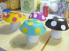 champignon-fabriqué-à-partir-de-moule-à-muffins-et-rouleau-de-papier-toilette-activité-manuelle-maternelle-facile