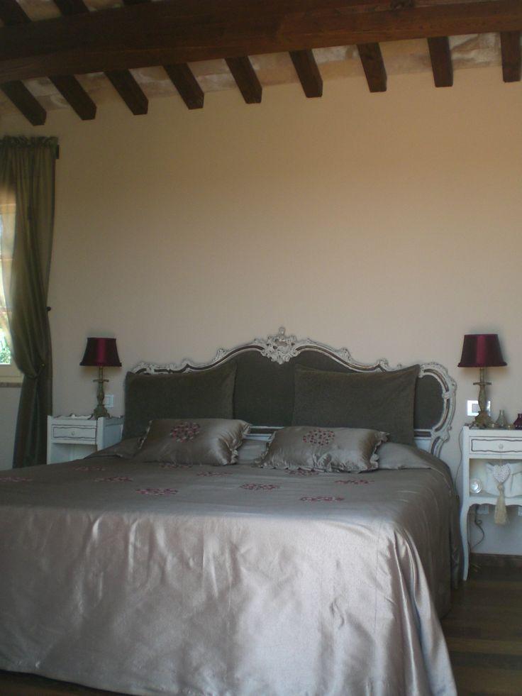 Arredi per la camera da letto nella campagna Toscana www.archedy.com