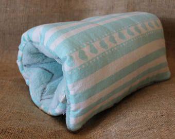 Coeurs blanc turquoise coussin d'allaitement, coussin d'allaitement bras, portable multi usage, oreiller, de voyage, bébé coussin d'allaitement bras, coussin d'amour
