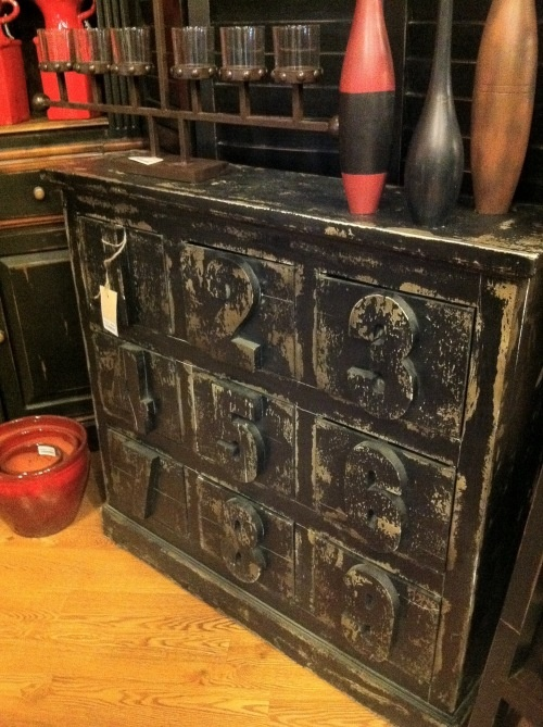 Love Distressed Black Furniture The Numbers On The Drawers Creative Ideas I Love