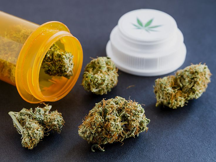 NY Docs Must Complete 4-Hour CME to Prescribe Marijuana Alicia Ault November 09, 2015  Physicians who wish to certify that their patients should be allowed to use medical marijuana will be required to take a 4-hour continuing medical education course. It will cost them $250.  Advocates said that the cost and time of the required course will dampen enthusiasm.