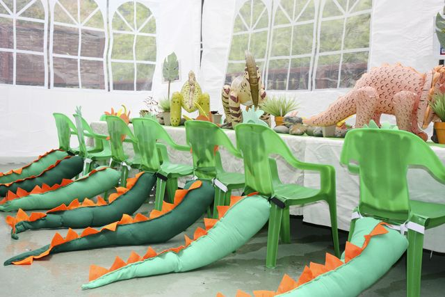 Chairs with tails at a Dinosaur Party #dinosaur #partytable