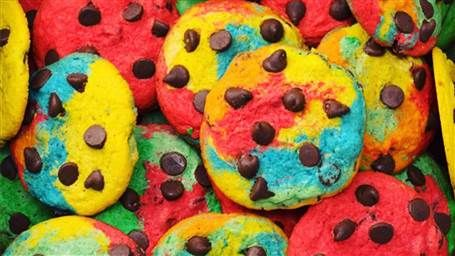 Taste the rainbow! These rainbow chocolate-chip cookies are hypnotizing