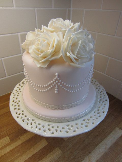 iceland foods royal wedding cake 14 best wedding cakes by lajla s cakes images on 16254