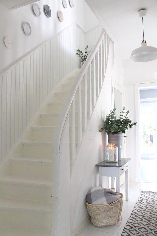 super Heller Flur mit Treppe im #Haus
