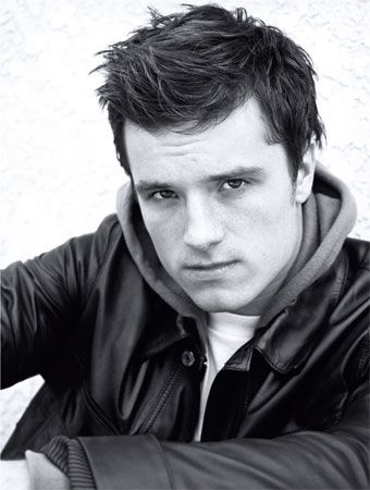"""Josh Hutcherson. I mean come on look at those cheek bones. Before/after """"The Hungers Games"""" came out i had a huge crush on Josh. I have no idea where it came from. We all need a dosage of Peeta every once and a while. I get my dosage from reading the books or of course looking at Josh. ;)"""