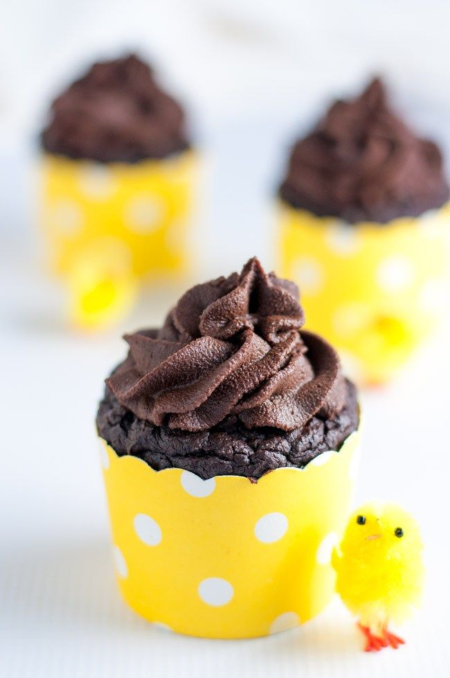 Chocolate Quinoa Cupcakes now made even healthier! Less sugar, gluten-free, dairy-free. Decadent, rich chocolate flavour.